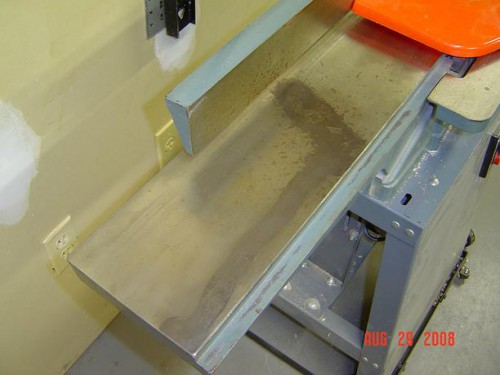 Jointer bed with large rust stain