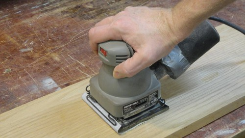 Sheet or palm sander