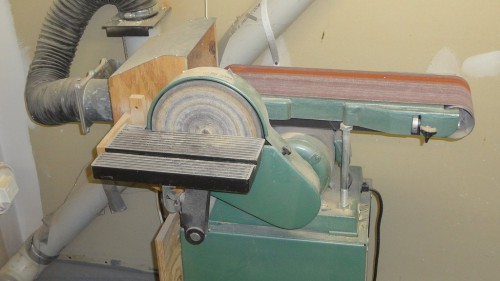 Stationary belt and disk sander