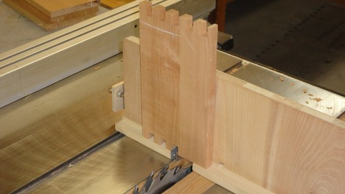 Box joints cut with home-made box joint jig